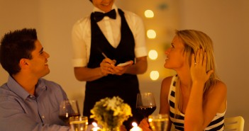 Conseils N°4 et 5 pour entretenir la flamme dans votre couple. jechangemylife.com