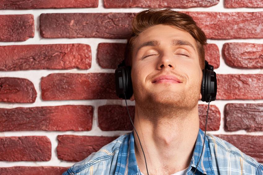 Dopez votre bonheur en écoutant de la musique. jechangemylife.com