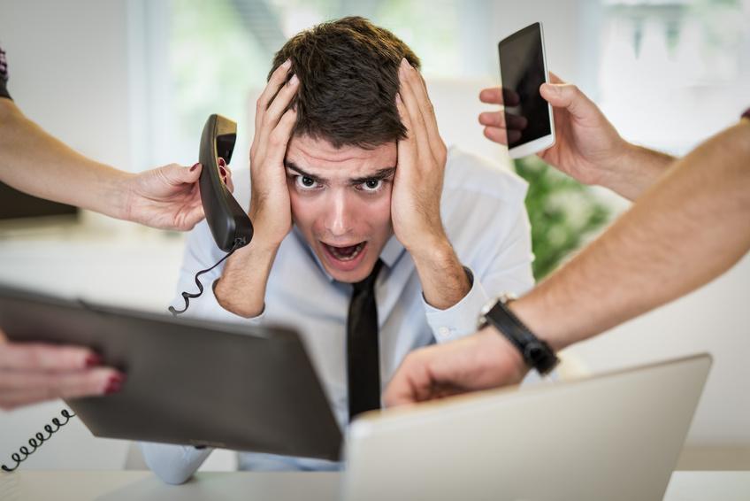 7 Mesures simples pour faire le plein d'énergie au bureau. Fuyez le bruit source de stress ! Jechangemylife.com